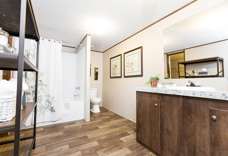 TruMH Ali / Thrill Mobile Home Master Bathroom