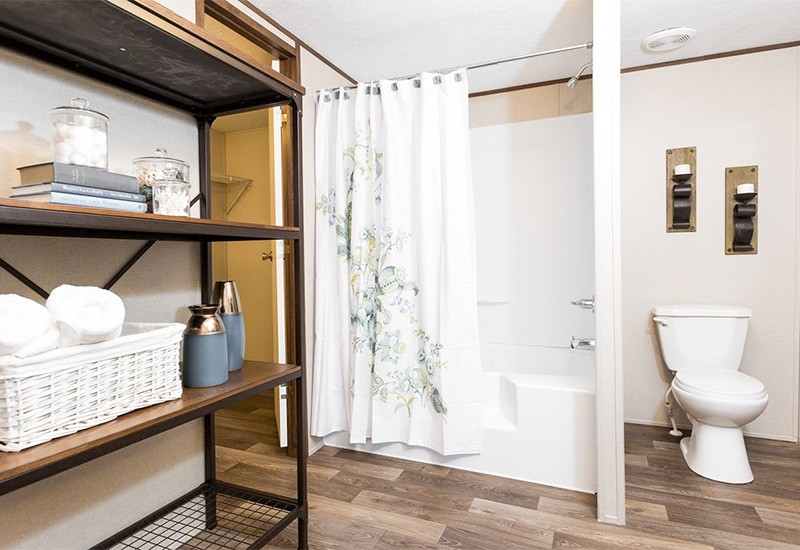 TruMH Ali / Thrill Mobile Home Master Bathroom