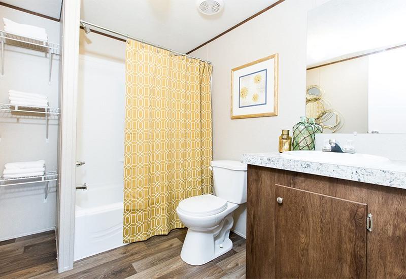 TruMH Steal II / Wonder Mobile Home Bathroom