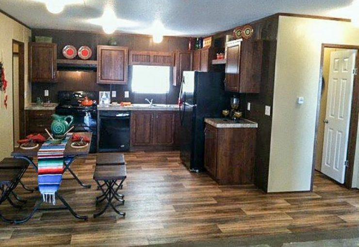 Fleetwood Berkshire 32403B Mobile Home Kitchen
