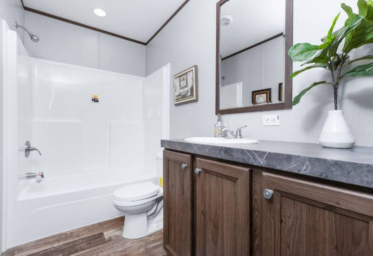 Crazy Eights - SLT28564A - Bathroom 3