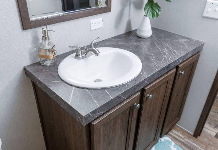 Crazy Eights - SLT28564A - Bathroom 4