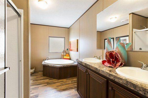 CMH Crazy Eights SLT28564A Mobile Home Master Bathroom
