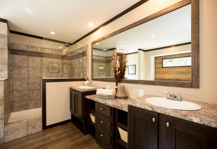 CMH Patriot PAR28563S Mobile Home Master Bathroom