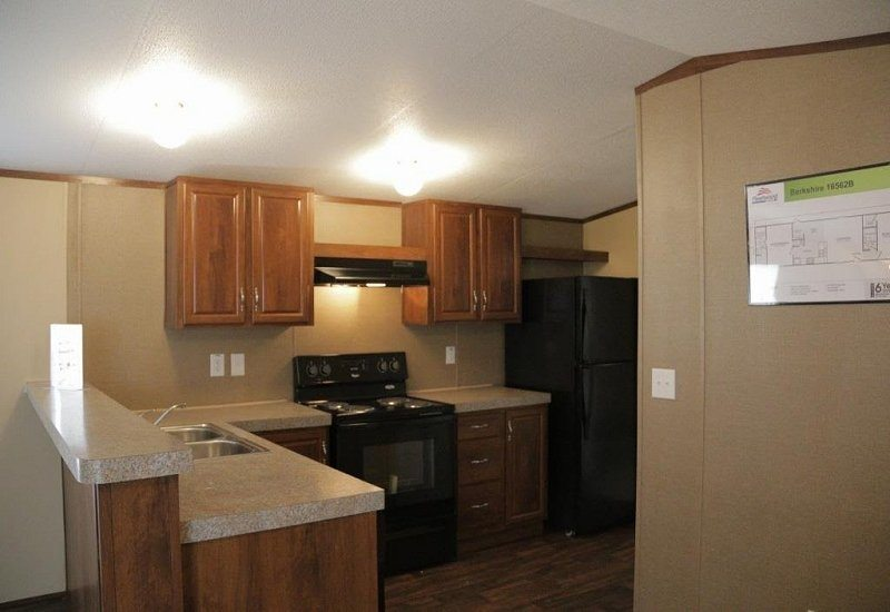Fleetwood Berkshire 16562B Mobile Home Kitchen