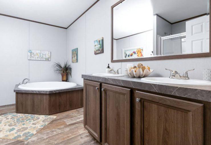 Crazy Eights - SLT28564A - Bathroom 5