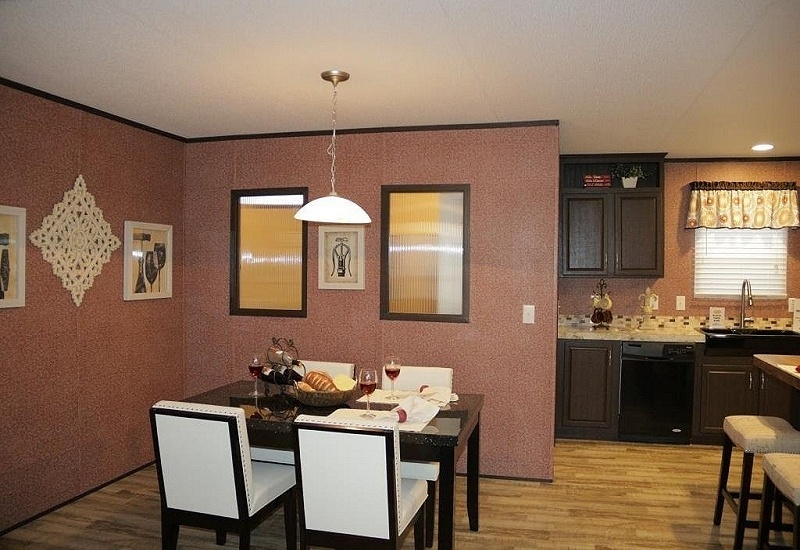 Fleetwood Berkshire 32684G Mobile Home Dining Area