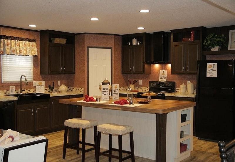 Fleetwood Berkshire 32684G Mobile Home Kitchen