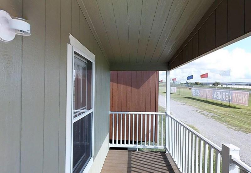 Weston 16722W Front Porch