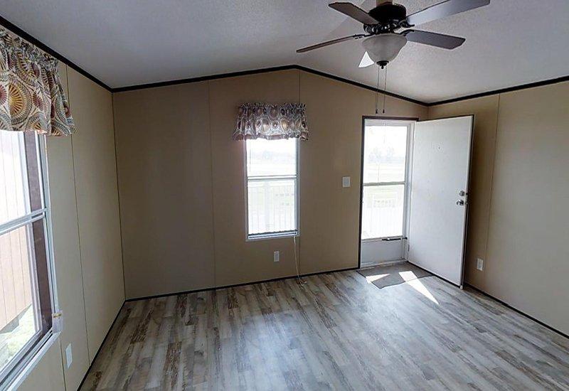 Weston 16722W Living Room