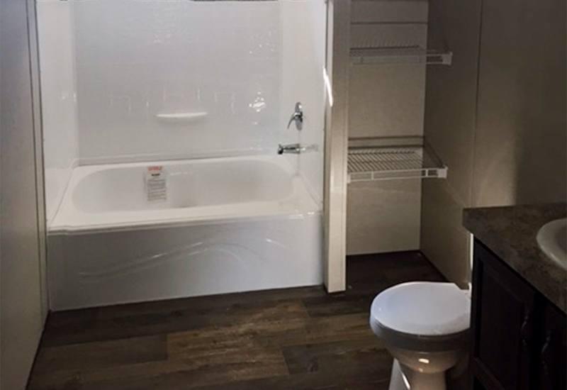 Fleetwood Weston 28523W Mobile Home Master Bathroom