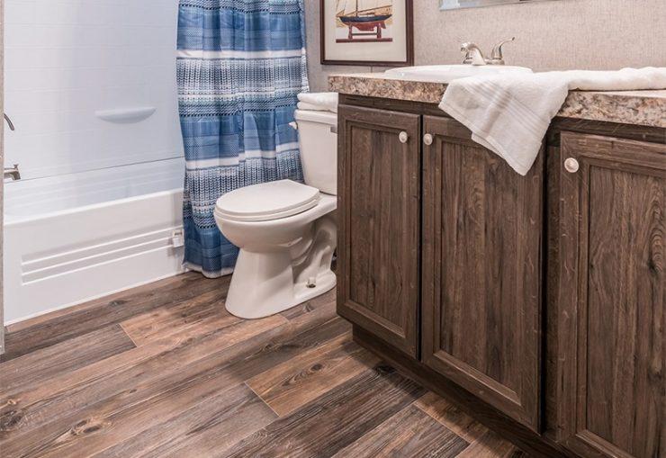 Clayton SLT28563D Mobile Home Guest Bathroom