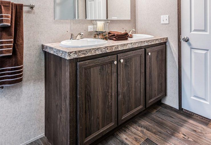 Clayton SLT28563D Mobile Home Master Bathroom