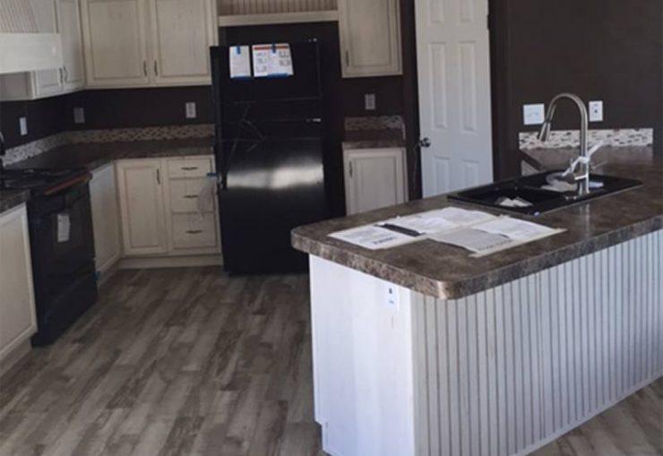 Fleetwood Berkshire 32563B Mobile Home Kitchen