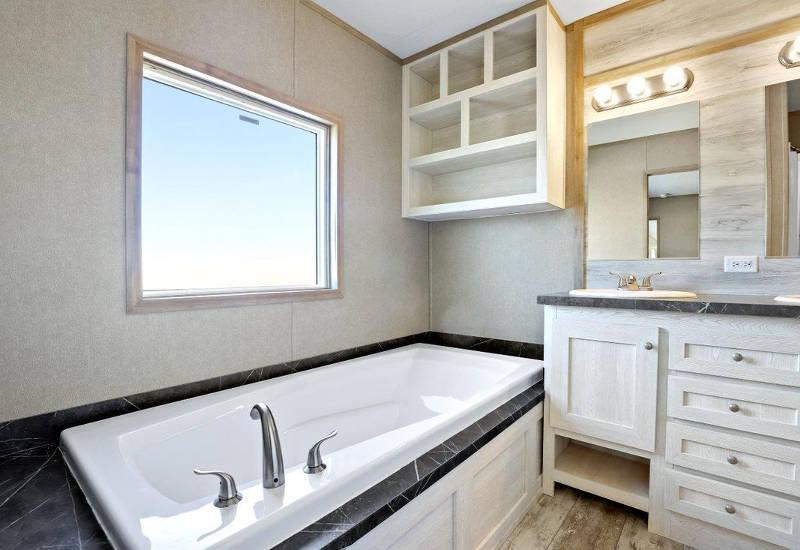 Resolution - RSV16763X - Master-Bathroom 2