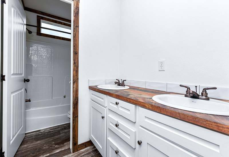 Clayton Lilly Mae - Mobile Home - Guest Bathroom