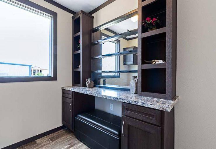 Clayton Hamilton - Mobile Home - Extra Room