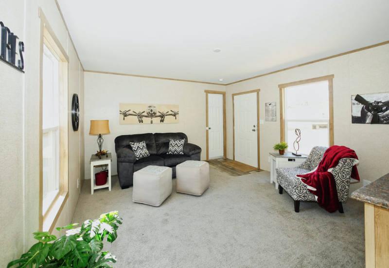 Leo - 9156 - Living Room