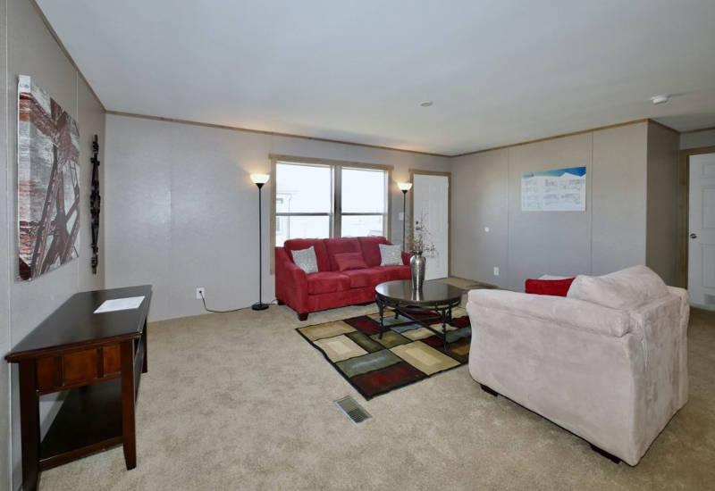 Columbia - 9344 - Living Room 3