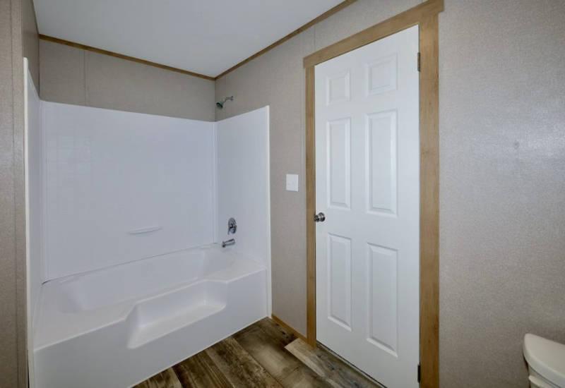 Columbia - 9344 -Bathroom 2
