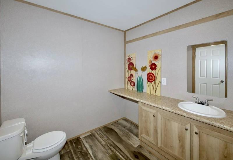 Columbia - 9344 -Bathroom 3