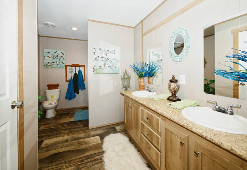 Taurus - 9366 - Bathroom 2
