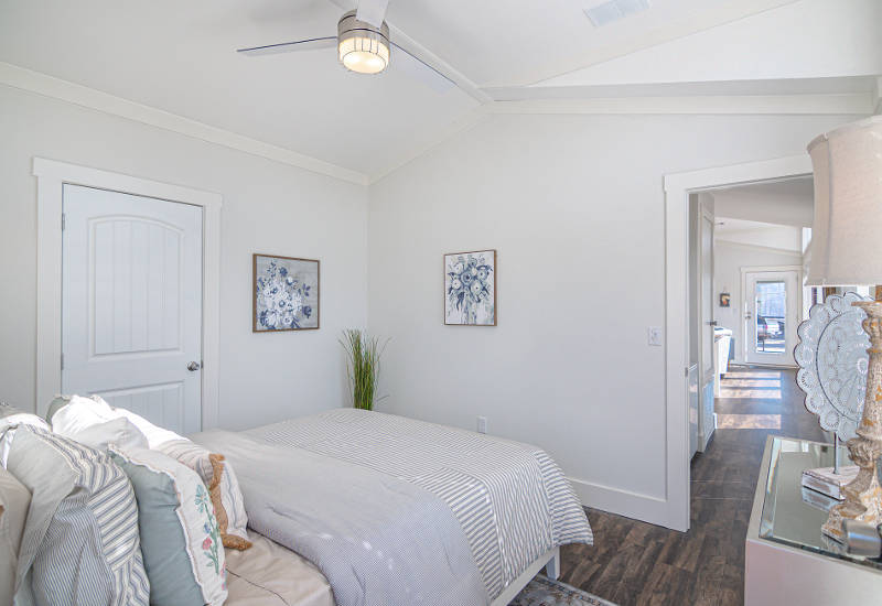 Starling - D40EP8 - Bedroom 3