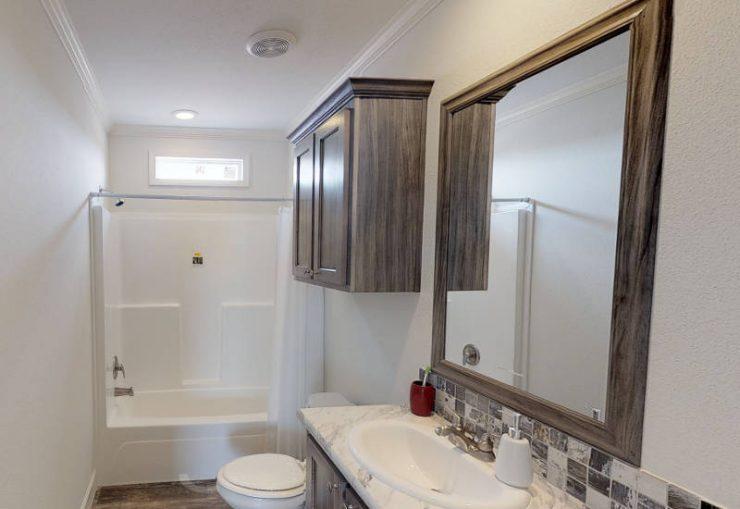 Meridian Militia M-12 - Guest-Bathroom