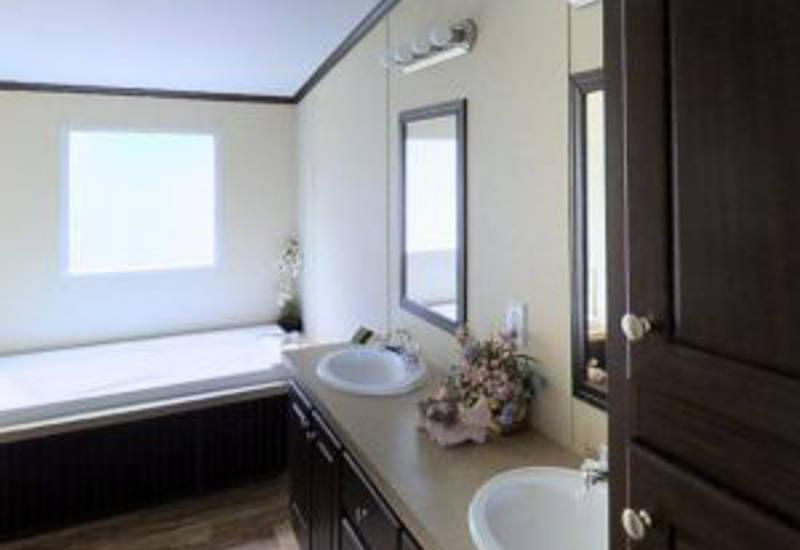 Meridian Fernandez - 2303 - Bathroom