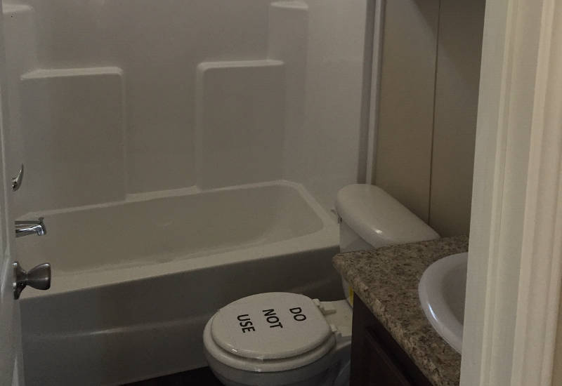 Ocampo - 2306P - Bathroom 2