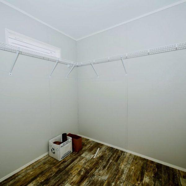 Meridian Coulter - 3218 - Bedroom