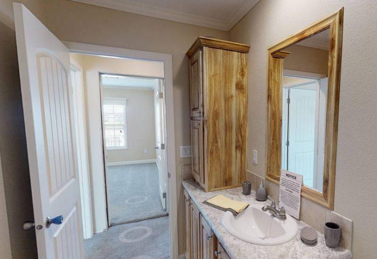 Meridian Cook - S76E - Guest-Bathroom