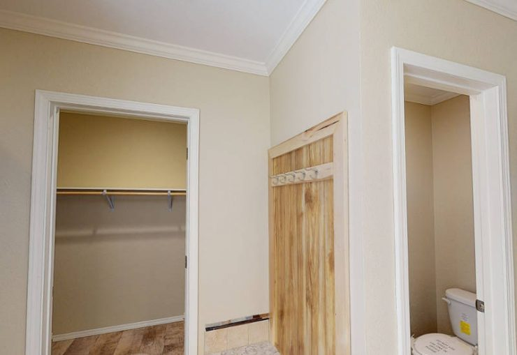 Meridian Cook - S76E - Master-Bathroom 3