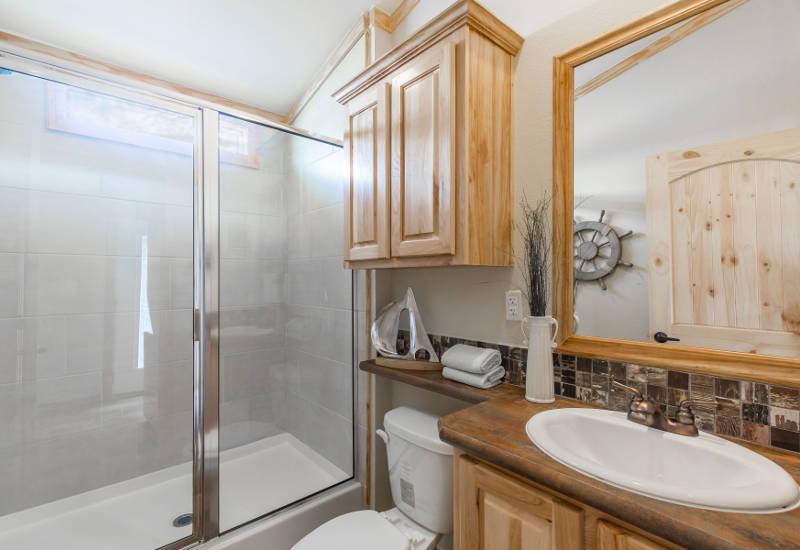 Mockingbird - D50EP8 - Bathroom