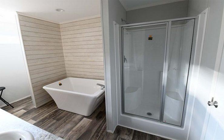 Meridian Big Country - 3232 - Master-Bathroom 2