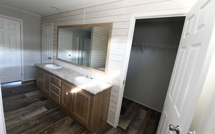 Meridian Big Country - 3232 - Master-Bathroom 3
