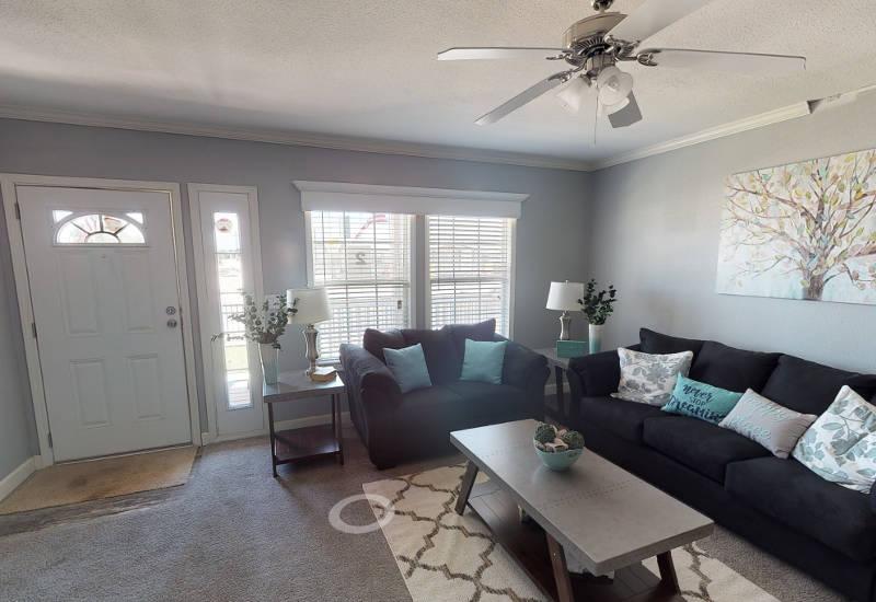 Meridian Vandaveer W64E - Triple Wide - Living Room 3