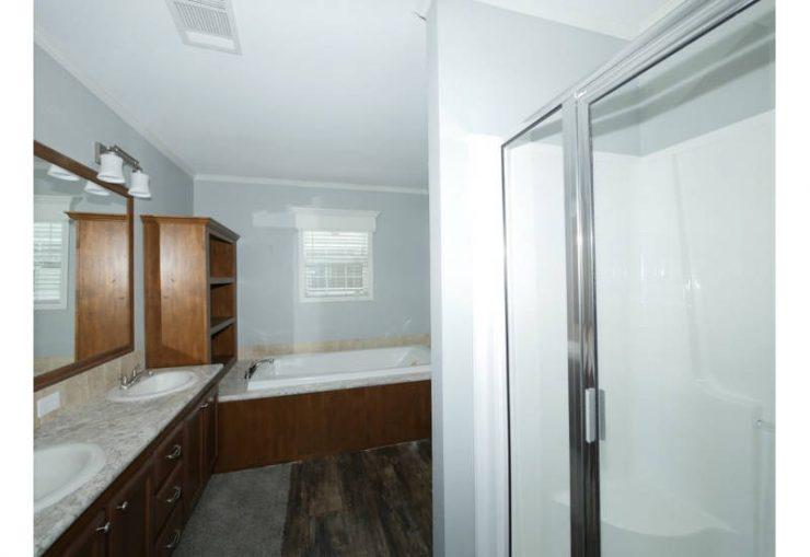 Meridian Glenn - J78G - Master Bathroom 2