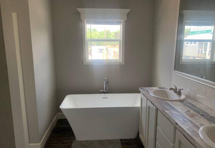 Grissom - J78H - Master-Bathroom
