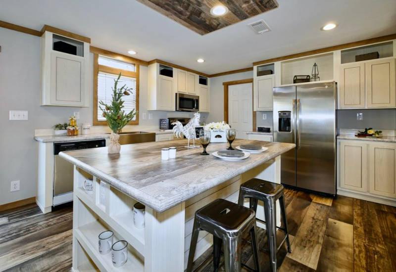 Meridian Macey - 9768-Kitchen