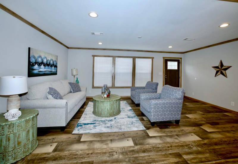 Meridian Mariana - 9776-Living Room