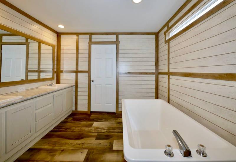 Meridian Mariana - 9776-Master Bathroom