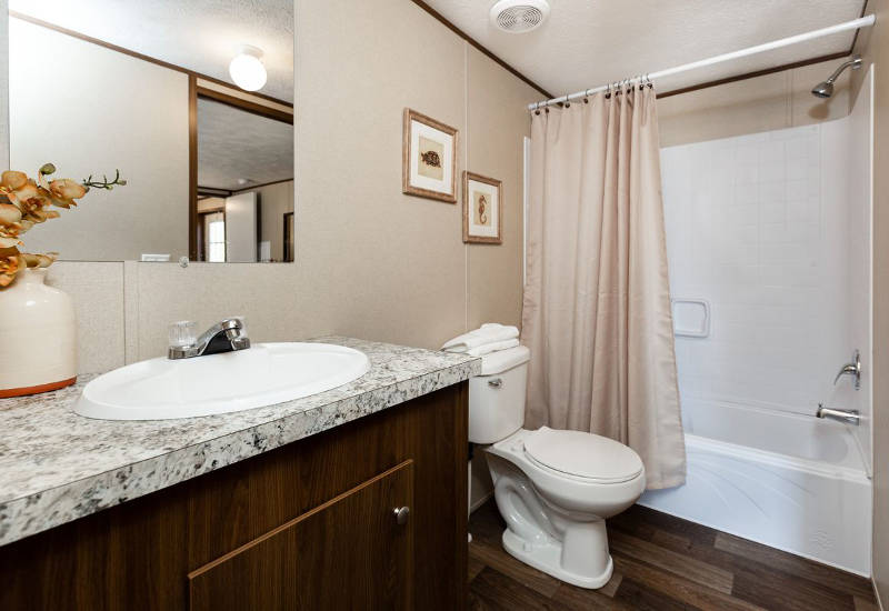 TruMH Grand - TRS14764A - Master-Bathroom