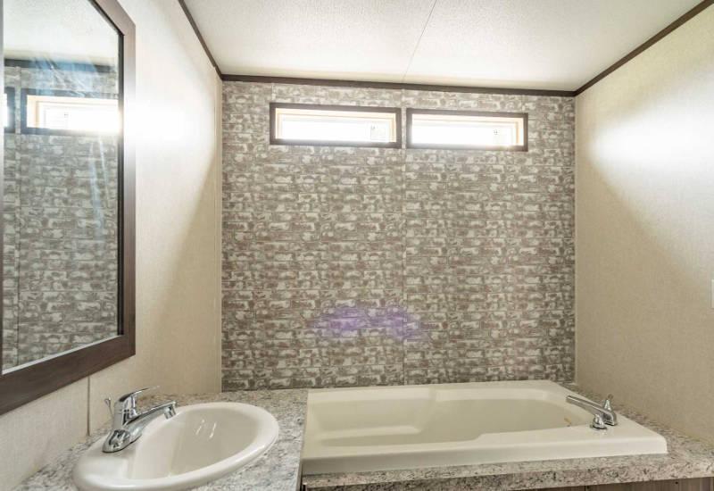 Fleetwood Weston - 16763A - Master-Bathroom 2