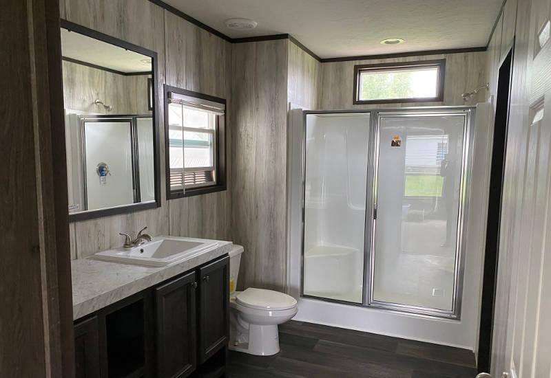 Renegade – SLT28483B - Bathroom 2