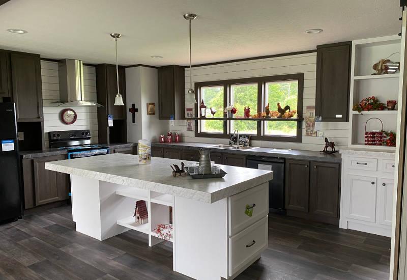 Renegade – SLT28483B - Kitchen