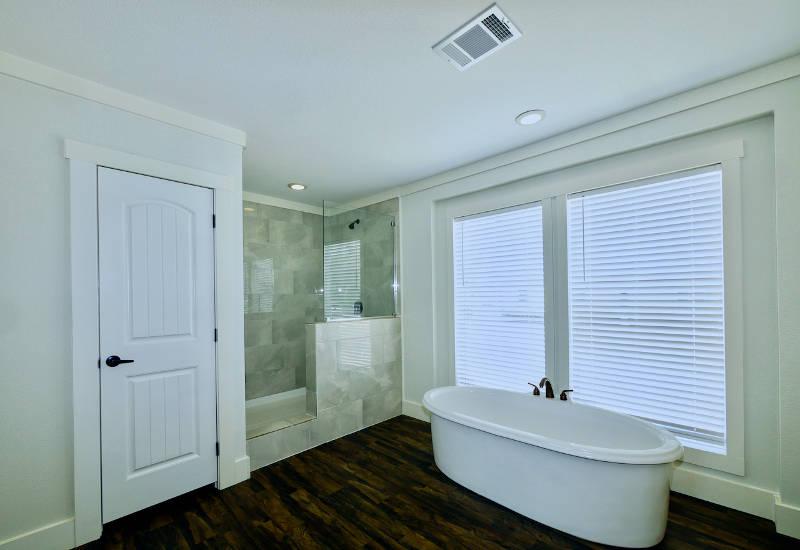 Pearl - 6370 - Master-Bathroom 3