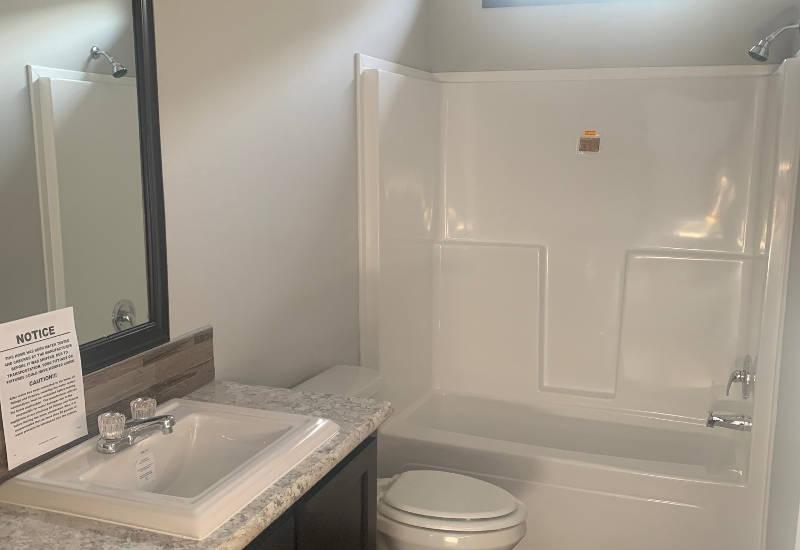 Emerald 56 - S56J - Guest-Bathroom